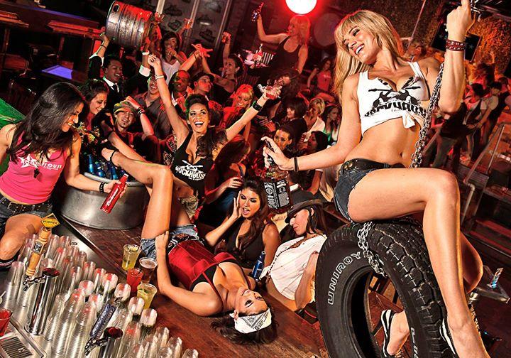 свинг вечеринка в клубе фото